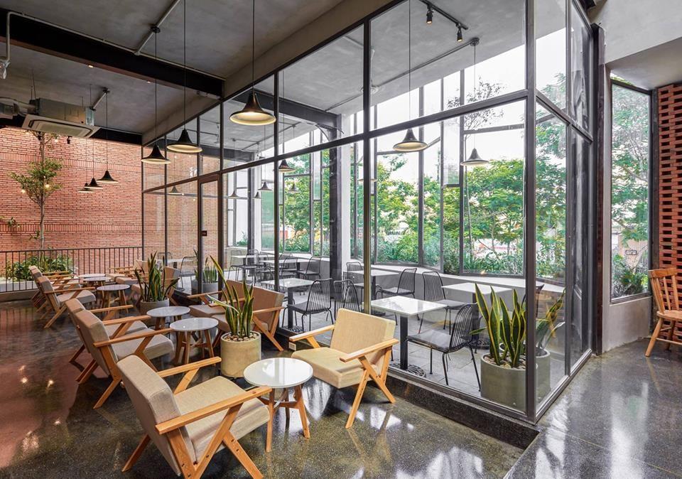 Không gian quán The Coffee House Gamuda Garden
